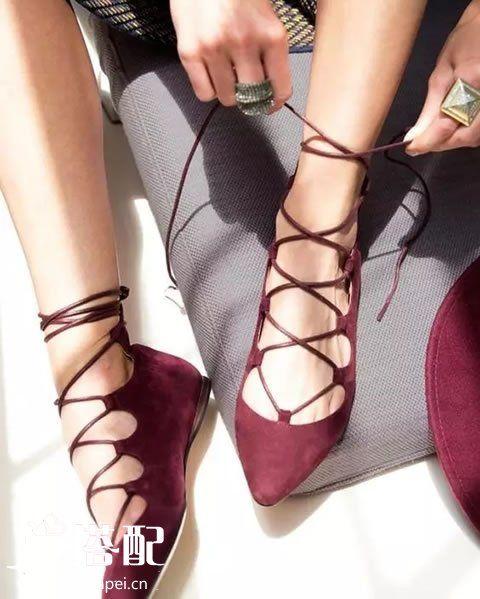 酒红色绑带鞋