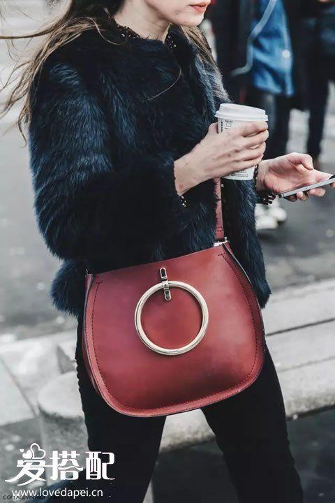 酒红色包包